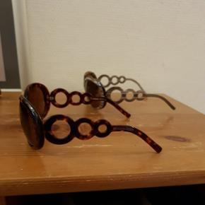 2 par solbriller fra Dyrberg Kern Aldrig brugt.  100 kr. Pr. Stk.