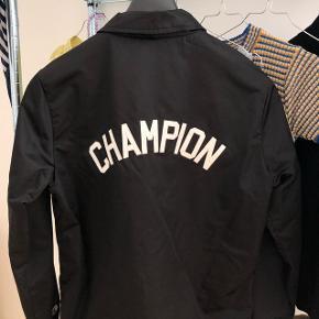 Champion (regn)jakke Str. S Mp: 1000kr
