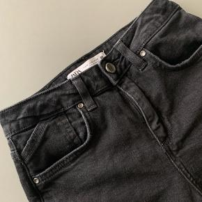Nye jeans fra ZARA, aldrig brugt.