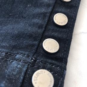 Leggings i denim 3/4, mørkeblå Elastik i talje  Aldrig brugt