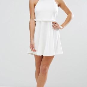 Super fin hvide kjole, perfekt til studentertiden eller hvis du bare elsker hvid som jeg gør 🙊🌸