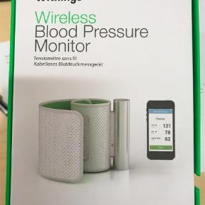 Brand: Withings Varetype: Blodtryksmåler, wireless Størrelse: - Farve: Hvid Oprindelig købspris: 1000 kr.  Super wireless blodtryksmåler. Registrer til app på mobilen.