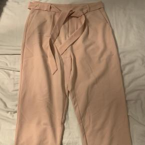 Super fede bukser i en flot farve med bindebånd