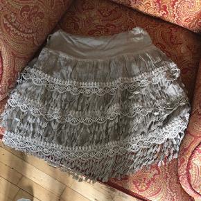 Fin nederdel i Buch stil .   BYD ✨