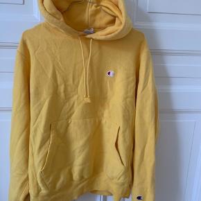 Champion hoodie  Str: S  Næsten aldrig brugt  Mp: 300