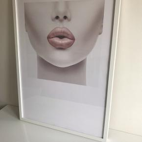 Pink Lips plakat med IKEA ramme. 50x70 cm.