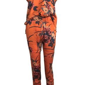 Neo Noir øvrigt tøj til kvinder