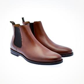 Sælger disse lækre støvler fra det populære danske modemærke - Playboy. De er aldrig brugt.