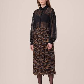 Helt ny skirt semra black Zebra fra lala Berlin