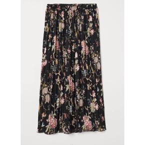 H&M X GP & J Baker nederdel   størrelse: S   pris: 150 kr    fragt: 37 kr