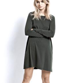 Sød mørkegrøn kjole fra Envii i str M. Style: Dock LS Dress 😊