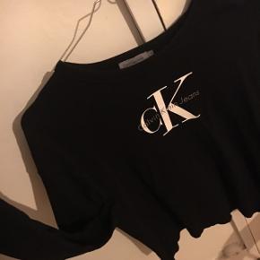 Trøje / sweatshirt fra Calvin KleinStr: s Np:399  Så fin, næsten ikke brugt🌸