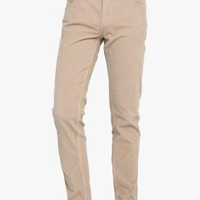 Helt nye bukser fra Whyred, model Syd Corduroy, farve peyote, str. 30/32