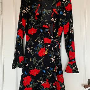 Fin envii kjole brugt få gange