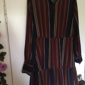Sød kjole den fremstår som ny