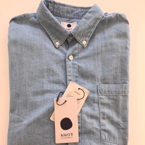 Ubrugt lækker skjorte fra NN07 Str L (Slim FIT)  Stadig med tags og mærke.  Nypris 799,00.