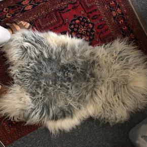 A bit used, but the quality stands still very good and the fur is soft and warm.  Can be used on chair/armchair or as carpet.  I bought it for 750 kr via:  https://www.lammeskindet.dk/collections/lammeskind?gclid=EAIaIQobChMIoOGg75rr6wIVF5iyCh2Axw39EAAYASAAEgLG3vD_BwE  🐑🐑🐑