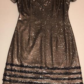 BYD Tommy Hilfiger X Gigi hadid palliet kjole aldrig brugt.