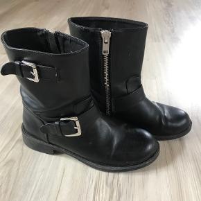 Divided støvler