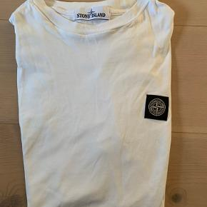 Flot t Shirt sælges. Brugt minimalt.