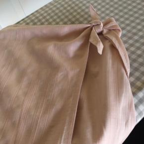 100% bomuld slå om nederdel.  Fra ikke rygere hjem