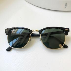 Ray-Ban Clubmaster solbriller.  Glas måler ca. 4,7 mm i højden.
