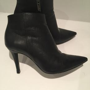 Lækre støvler!! Fin stand. Ny hæl-stift.