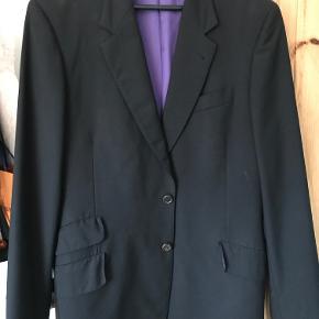 Paul smith blazer I sort super 120 fint uld  Utrolig elegant og sidder godt  oprindelig pris 5000kr
