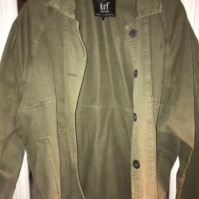 Oversized denim jakke i olivengrøn fra ZARA🌸