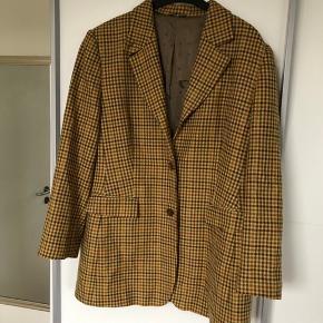 Fed ternet vintage blazer, Brugt men er i god stand  Str M/ L Se også mine andre annoncer 😊