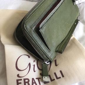 Gigi Fratelli pung