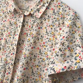 Den populære Enmoore dress fra Envii i det fineste print sælges.