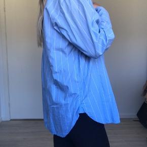 Mega lækker skjorte, som kan styles på mange måder 🎈