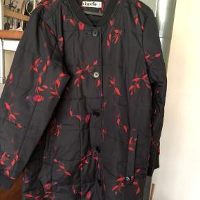Lækker Termo jakke fra danefæ - brugt sidste vinter, stadig i rigtig god stand, ingen fejl og mangler, knapper hele vejen ned 👌