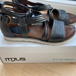 Mjus sandaler