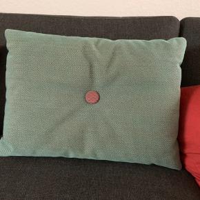 2 puder i rosa, 1 pude i grøn. 45x60 cm.   Pris pr. Stk. 275,-   Fad 50,-  Priserne er via mobilepay og plus Porto  BYTTER SLET IKKE
