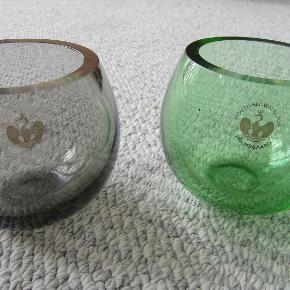 2 flotte Holmegaard glasskåle til f.eks. fyrfadslys, flot grøn og grå, fejler intet.