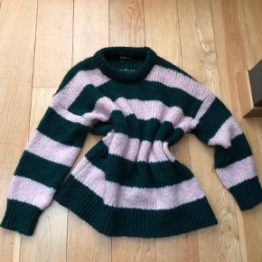 RESERVED sweater