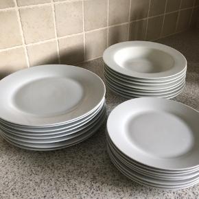 Sæt til 8 personer  8 frokost 8 middag 8 dybe