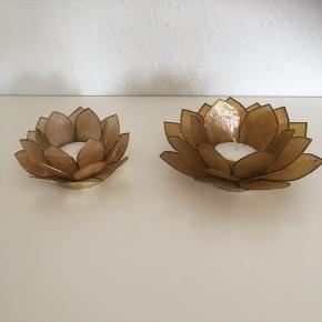 Ældre fine Lotus Fyrfadsstager   Lysestage  blomst  Gul guldagtig   Yoga   Fin stand   Sender gerne   Se flere annoncer   Samlet