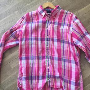 Varetype: Skjorte Farve: Se foto Prisen angivet er inklusiv forsendelse.  Lækker hørskjorte