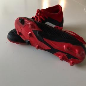 Adidas predator 38 2/3 en super støvle kun brugt et par gange..
