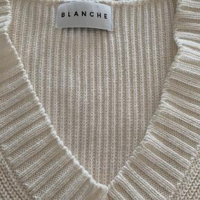 Blanche vest