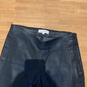 Lækre skind leggins fra Mosh Copenhagen str.small  S Brugt få gange. Nypris 2500 sælges pga. vægttab