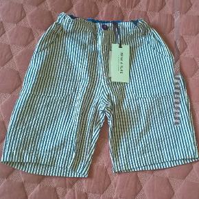 Fine nye shorts - stadig med mærke :-)   Sælges da sønne simpelthen har flere shorts end vi får brugt :-)