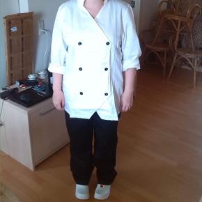 Bager/kokke uniform.!  Dermedføger: kalot ( hue )  Forklæde Sko i str 38