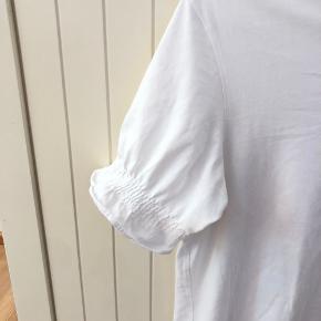 Fin tshirt. Str small, næsten som ny🌸