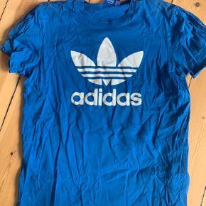 Det eneste t-shirten kunne bruge var en omgang med strygejernet. Sjældent brugt.