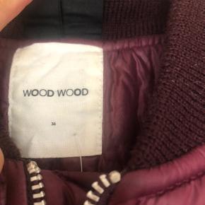 Super flot, ubrugt bumper fra Wood Wood! Bud modtages gerne
