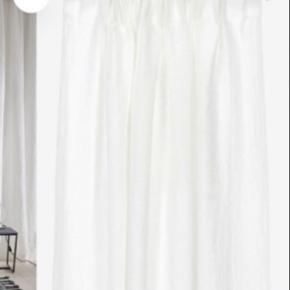 Ellos hør gardiner 4 pakker længde 220 (den ene åbnet og prøvet hængt op) Nypris 1099 pr pakke.  Pris 500pr pakke